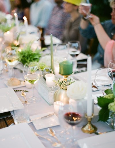 Katie Parra / july-floral-tablescape-floral-candle